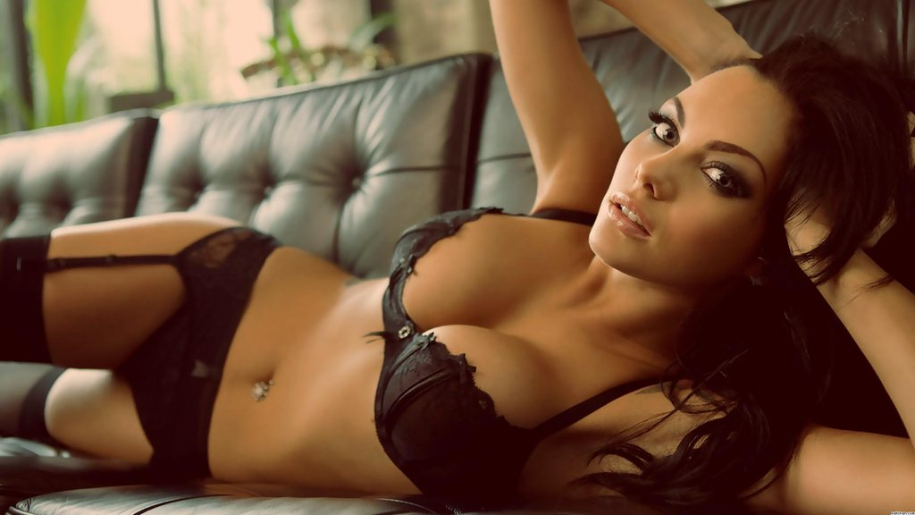 Girls Pictures of Beautiful Girls on the Web