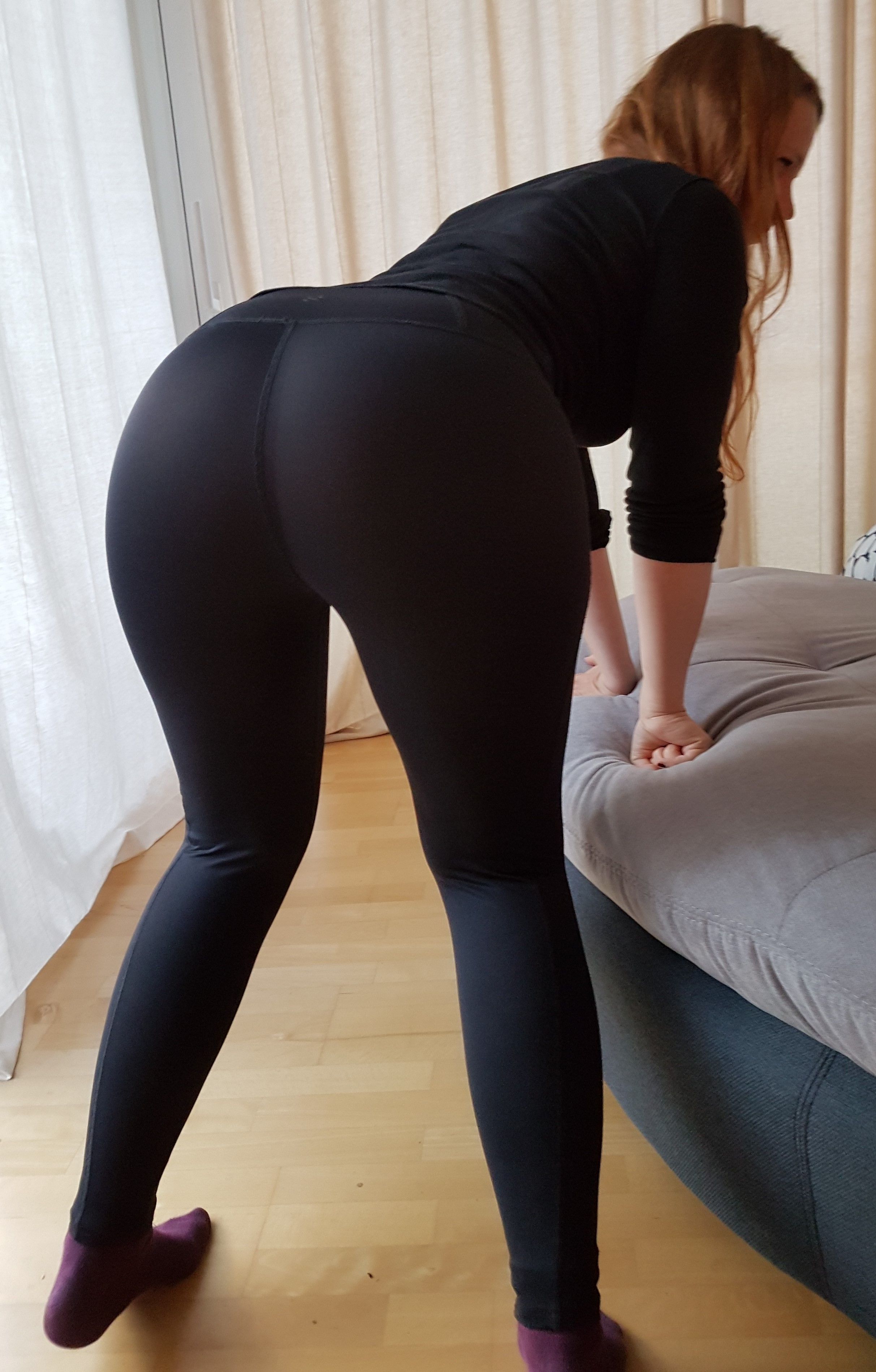 Cute girls in yoga pants theCHIVE